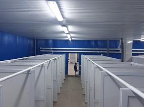 Установка душевых кабин из ПВХ для работников завода КамАЗ